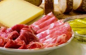 «Растительного сыра» и «соевого мяса» не бывает